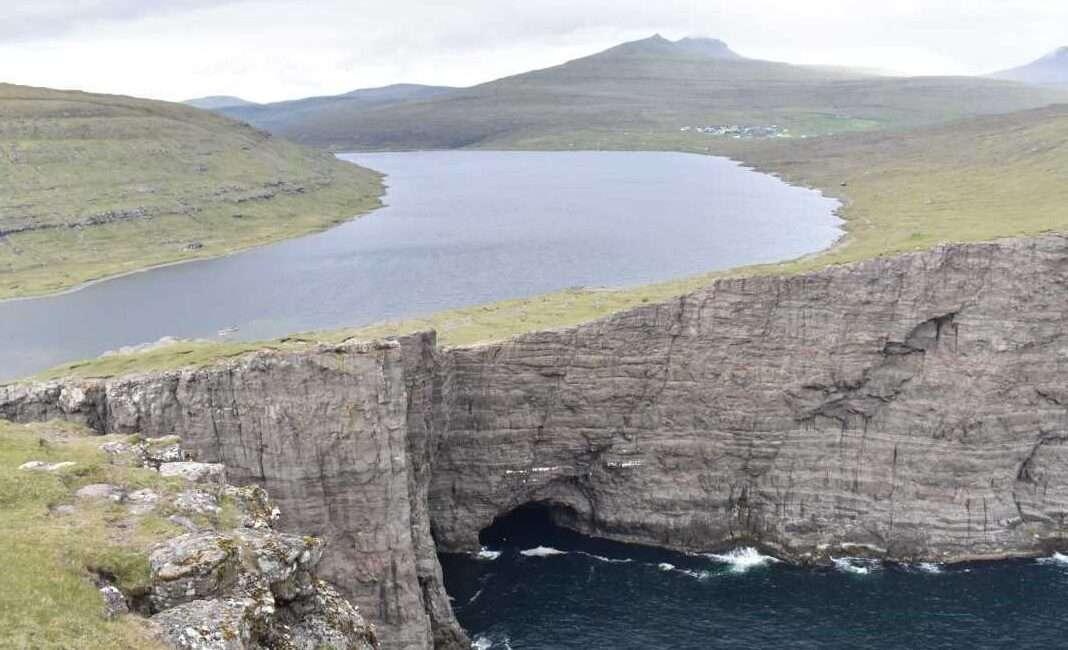 Isole Faroe Leitisvatn