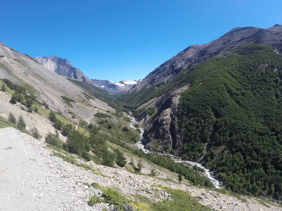 W Torres del Paine scendendo dal Chileno