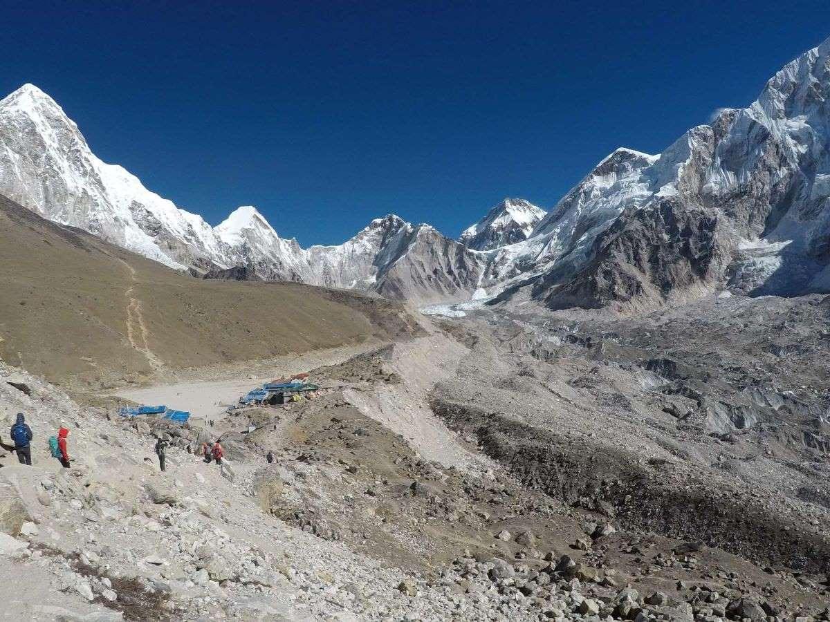 Gorak Shep verso Everest Base Camp