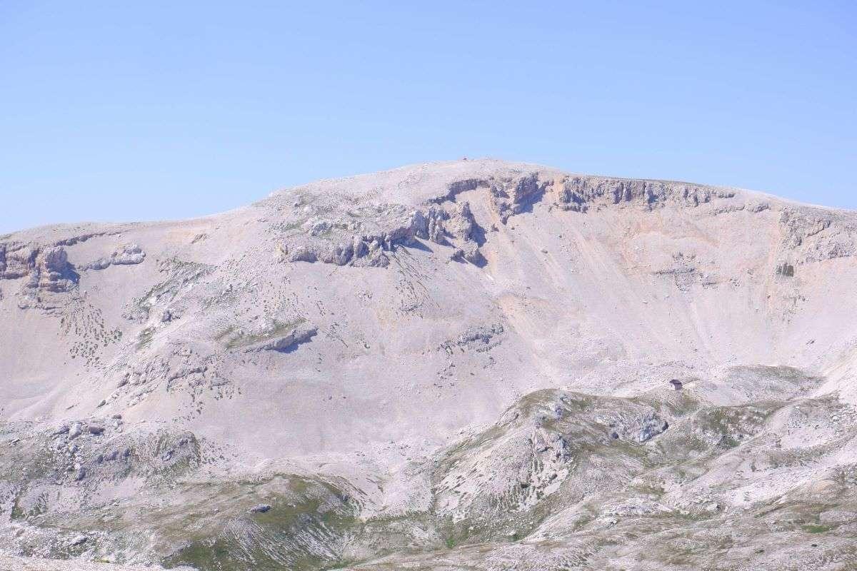 Il Monte Amaro ancora lontano