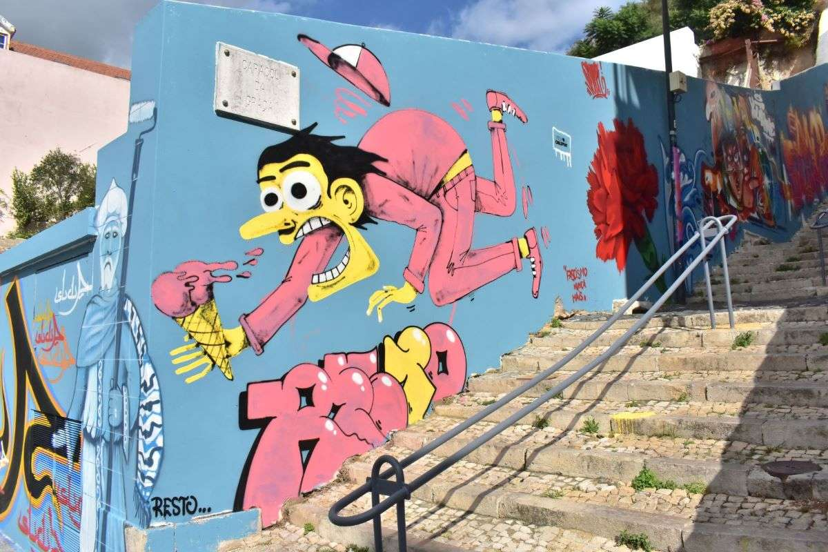 Lisbona Murales vicino a Miradouro da Graca