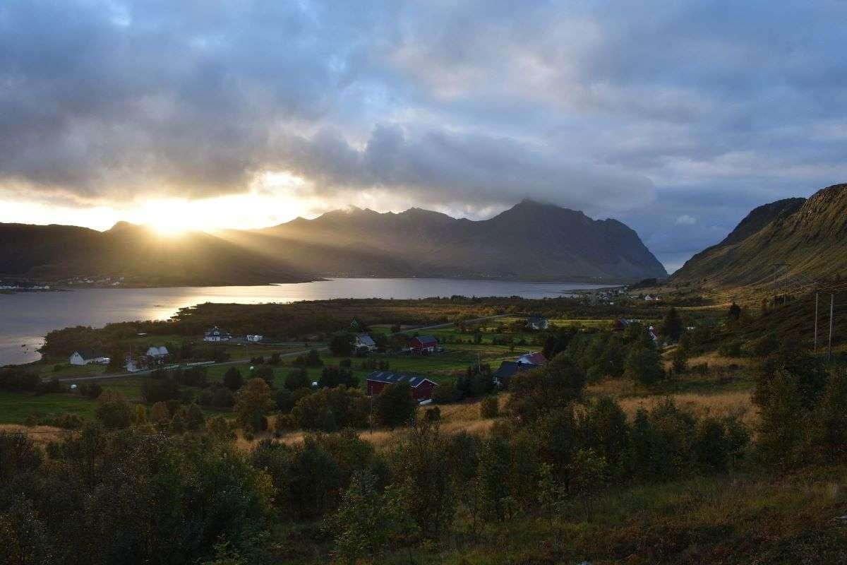 Lofoten tramonto poco dopo Henningsvaer