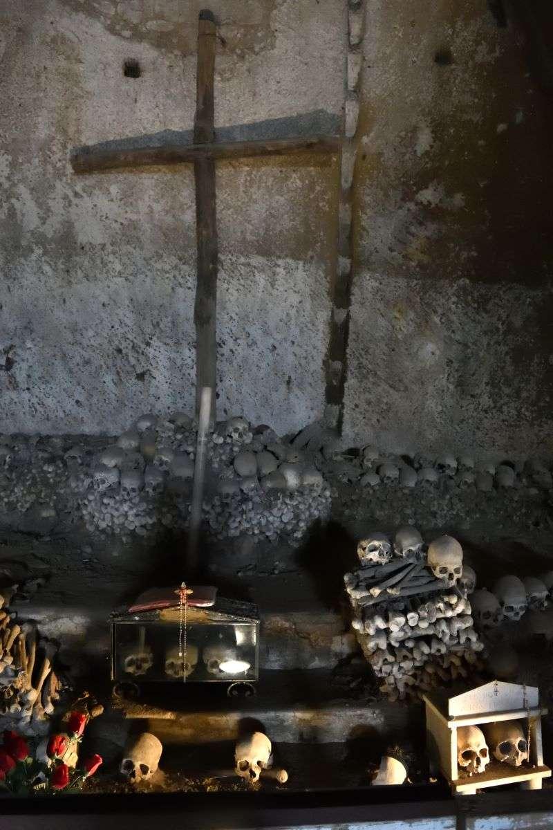 Napoli Cimitero Fontanelle