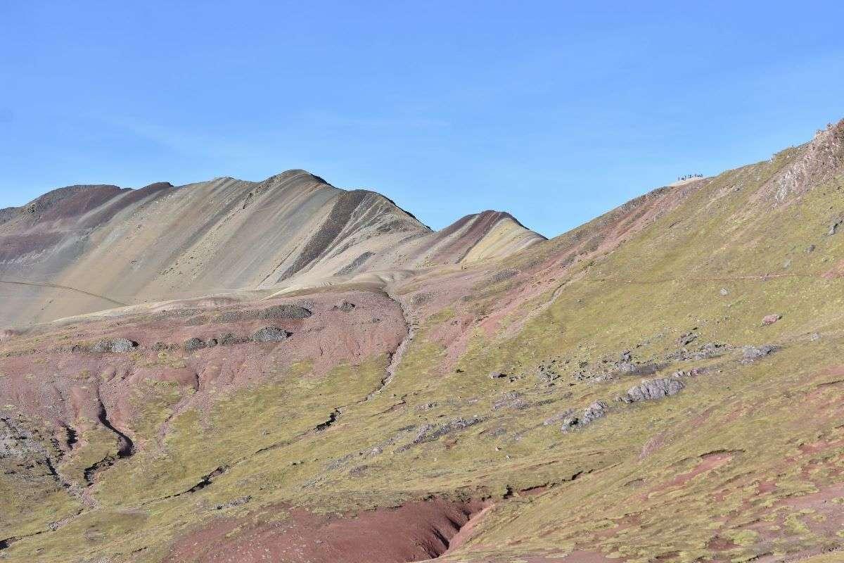 Rainbow Mountain da lontano