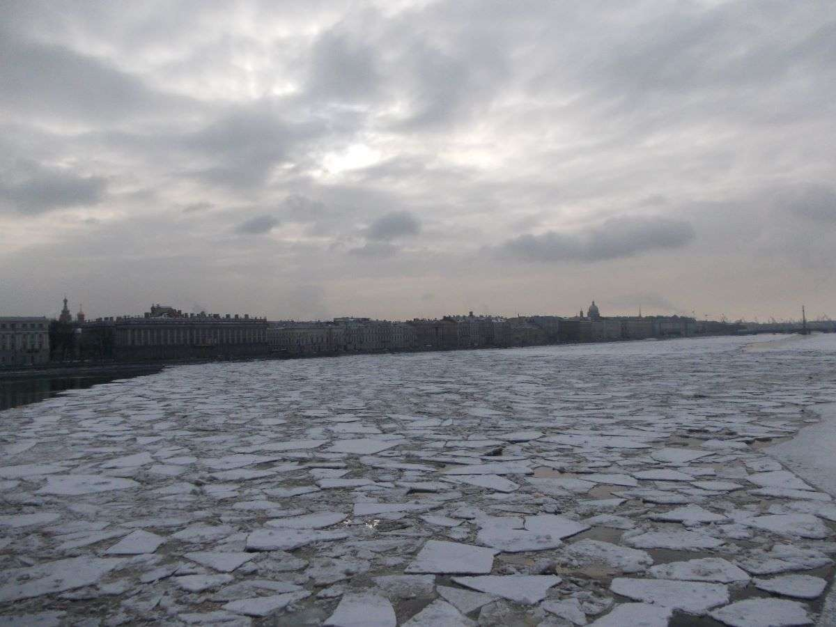 San Pietroburgo la Neva d'inverno